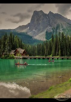 Emerald Lake, BC, Canada....someone please take me here RIGHT now!