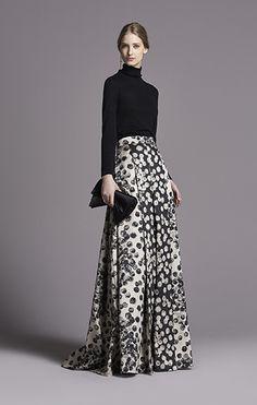 CH Carolina Herrera Women's Fall Long skirt with turtleneck Modest Fashion, Fashion Dresses, Classy Fashion, French Fashion, Look Chic, Mode Inspiration, Mode Style, Dress To Impress, Beautiful Outfits