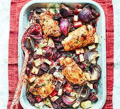 Enjoy this healthy chicken traybake with a speedy spinach side that's packed with iron. It's also low in fat and contains four of your Snacks For Work, Healthy Work Snacks, Healthy Appetizers, Healthy Eating, Healthy Meals For One, Healthy Diet Recipes, Savoury Recipes, Healthy Dinners, Healthy Options