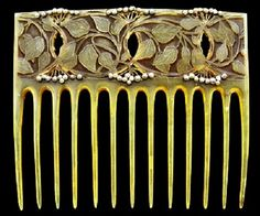 Art Nouveau hair comb by Belgian jeweler Philippe Wolfers