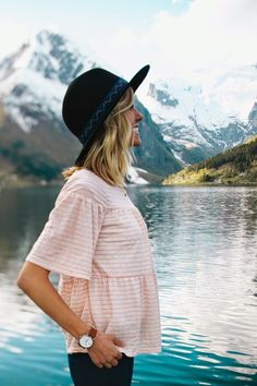 That's a super cute outfit but more importantly I can get over those mountains!