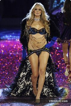 Victoria's Secret Fashion Show 2005 Russian Secret Fashion Show