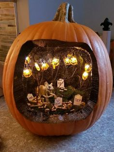 Halloween Pumpkin DIY ideas, Halloween home decorations, Halloween DIY with Kids If you're looking for some inspiration for your pumpkin carving this year, here are our picks for some of the most creative pumpkin carving ideas. Halloween Tags, Amazon Halloween, Halloween Diorama, Easy Halloween Decorations, Halloween Home Decor, Diy Party Decorations, Holidays Halloween, Pumpkin Designs For Halloween, Halloween Carved Pumpkins