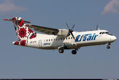 UTair Ukraine UR-UTE ATR ATR-42-300 aircraft picture
