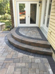 Find out more details on patio pavers diy. Look at our site. Aluminum Patio, Patio Decor, Outdoor Decor, Paver Designs, Patio Design, Outdoor Patio Decor, Patio Stairs, Front Door Steps