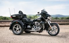 How much motorcycle can you fit on three wheels? | 2015 Harley-Davidson Tri Glide Ultra