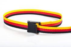 Gürtel aus Gurtband, 25mm breit, 1m lang, schwarz-rot-gold mit schwarzer Kunststoff-Klemmschnalle