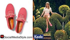Buy Taylor Swift's coral sneakers here: http://rstyle.me/n/hhnun6fbn or here: http://rstyle.me/n/hhnu26fbn