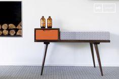 Dit elegante bankje voegt een Scandinavische touch  aan je interieur.