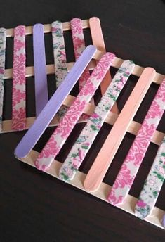 100 Popsicle Sticks Craft Ideas - As Told By Mom Popsicle Stick Crafts For Adults, Popsicle Crafts, Crafts For Teens To Make, Craft Stick Projects, Craft Stick Crafts, Diy And Crafts, Lollypop Stick Craft, Yarn Crafts, Wood Crafts