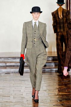 I could never pull this off, but if I was a charachter in a mystery novel, this is what I would wear this fall.  Ralph Lauren Fall 2012