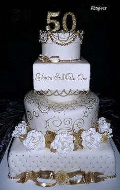 Ideas For (Golden) Wedding Anniversary Cakes 50th Wedding Anniversary Cakes, Golden Anniversary, Anniversary Parties, Anniversary Ideas, Anniversary Cupcakes, Anniversary Decorations, Happy Anniversary, Wedding Cake Designs, Wedding Cakes