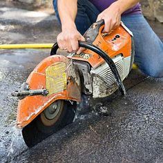 Use handy paver mats to give your driveway some old-world charm Concrete Saw, Concrete Driveways, Driveway Apron, Stone Driveway, Construction Tools, Farm Gardens, Old World Charm, Backyard Landscaping, Humble Abode