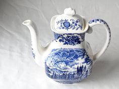 Wedgwood Tea Pot Royal Homes of Britain Wedgwood by LesTempsPerdus