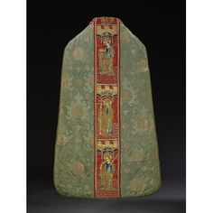 Chasuble- Place of origin:  Italy (possibly, made) Spain (possibly, made) France (possibly, made) Date:  1450-1600 (made) Artist/Maker:  Unknown (production) Materials and Techniques:  Silk damask, brocaded with silver-gilt thread, embroidery appliqued