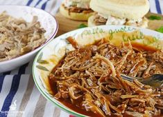 This slow cooker pulled pork is extremely easy to get right and the end result is absolutely amazing. It goes perfect on a pizza, in a sandwich and more! Slow Cooker Recipes, Crockpot Recipes, Cooking Recipes, Slow Cooking, Slow Cooker Chicken, Pulled Pork, Eat, Ethnic Recipes, Super Easy