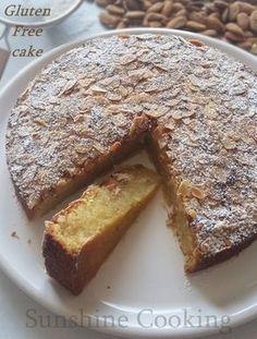 Gâteau ultra moelleux aux amandes et noix de coco (sans farine) / Flourless Almond, Coconut And Vanilla Cake / Amandel - kokoscake (glutenvrij)