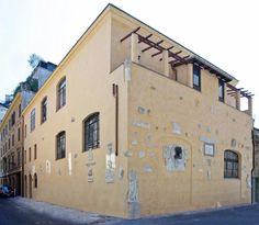 Esiste un luogo nel quale il tempo non si è fermato e ha conservato la sua… Rome Buildings, Palazzo, Rome, Mansion
