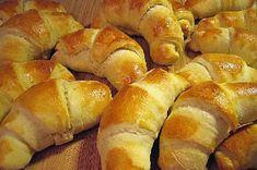 Pehmeät sarvet Salty Foods, Recipes From Heaven, Hot Dog Buns, Food Inspiration, Goodies, Food And Drink, Treats, Baking, Koti