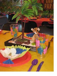 DIY table setting and centerpiece for a luau party