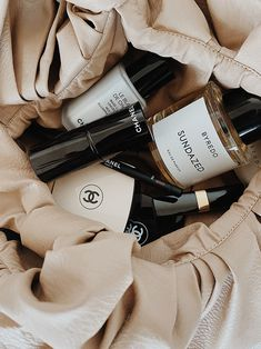 Cream Aesthetic, Classy Aesthetic, Brown Aesthetic, French Skincare, Makeup Rooms, Beauty Essentials, Beauty Routines, Skincare Routine, Simple Makeup