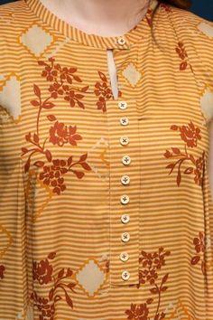 Salwar Neck Designs, Kurta Neck Design, Neck Designs For Suits, Sleeves Designs For Dresses, Neckline Designs, Kurta Designs Women, Dress Neck Designs, Sleeve Designs, Salwar Neck Patterns