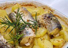 Šta bolje napraviti od ribe na krompiru, a još kad je u pitanju lijepo začinjen oslić samo se očekuju polizani prsti poslije ukusnog jela. Čak...