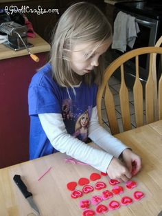 Huge list of free American Girl Doll Crafts