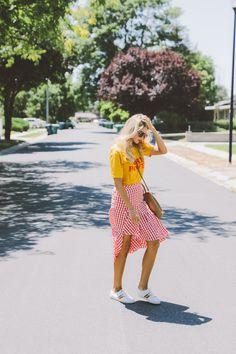 Amber Fillerup Clark Barefoot Blonde