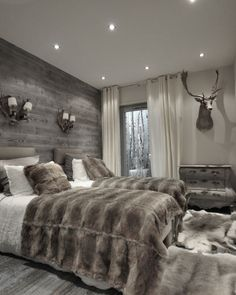 Best Modern Rustic Bedroom For Your Home. We searched the Modern Rustic Bedroom For Your Home color choices for you in the bedroom Modern Rustic Bedrooms, Farmhouse Master Bedroom, Modern Cabin Decor, Modern Rustic Furniture, Bedroom Country, Casas Containers, Home Decor Bedroom, Bedroom Ideas, Bedroom Furniture