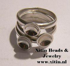 Selfmade nailpolish rings trio