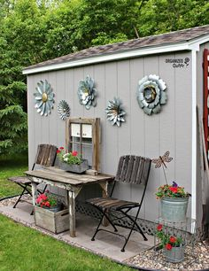 Shed diy - outdoor junk garden shed decor organizedclutter. Outdoor Garden Decor, Garden Yard Ideas, Diy Garden, Garden Projects, Garden Art, Outdoor Gardens, Outdoor Decorations, Spring Garden, Smart Garden