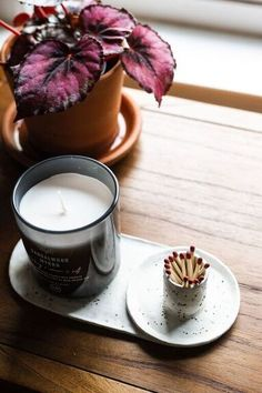 Diy Air Dry Clay, Diy Clay, Air Drying Clay, Air Dry Clay Crafts, Clay Candle Holders, Diy Candle Plate, Make Your Own Clay, Clay Plates, Clay Bowl