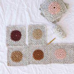 Modern Crochet Patterns, Crochet Motifs, Square Patterns, Crochet Designs, Afghan Patterns, Cute Crochet, Crochet Hooks, Knit Crochet, Crochet Bunny