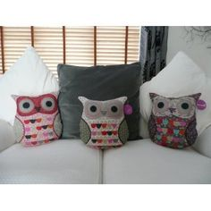 Owl Cushions {Oh.My.GOODNESS!}