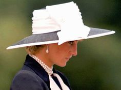 Royal FASHION (White/Blue) & HAT -- PRINCESS DIANA of Wales watching the Light Dragoons regiment on parade @ their norther Germany base  _____________________________ Reposted by Dr. Veronica Lee, DNP (Depew/Buffalo, NY, US)
