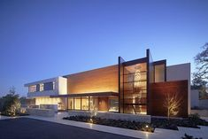 Imposing Modern Oz Residence in Silicon Valley, CaliforniaThe OZ Residence was designed by Swatt Miers Architectsand is located in Silicon Valley, California. The owners, a young couple with two young child... Architecture Check more at http://rusticnordic.com/imposing-modern-oz-residence-in-silicon-valley-california/