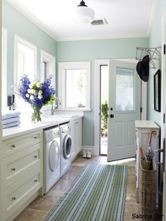 mother in law suite laundry with combined kitchenette, but would rather make the laundry part if the bathroom....
