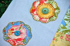 Learning to sew Embroidery Ideas, Embroidery Stitches, Sewing Tutorials, Sewing Ideas, Floral Quilts, Learn To Sew, Paper Piecing, Applique, Quilting