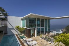 (Image-TripAdvisor Vacation Rentals) Spectacular Cliffside Villas: Villa Tinga, Rio de Janeiro-If you're heading to the Olympics this summer and fancy living the life of luxury while you're there, Villa Tinga in Rio de Janeiro will leave you seriously impressed. The clifftop property sleeps up to six people and has a large terrace for soaking up the sensational views.