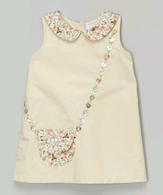 Darling Details ❤~ floral collar and pocket with buttons to look like a purse