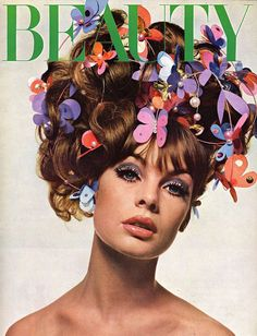 I love love Jean Shrimpton. Everyone talks about Twiggy and some of the other models, but I think Jean Shrimpton was THE girl everyone . Jean Shrimpton, Fashion Cover, 1960s Fashion, Fashion Models, Vintage Fashion, Floral Fashion, Fashion Face, Vogue Fashion, High Fashion