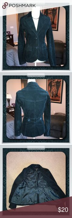 """H&M Teal Green Corduroy Blazer H&M Teal green blazer features a fitted bodice and two exterior pockets. Excellent condition.  Length: 24"""". Sleeve: 24"""". Waist: 30"""" H&M Jackets & Coats Blazers"""