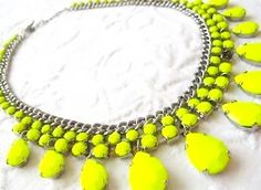 Perfect pop of neon to any outfit All About Fashion, Zara, Design Inspiration, Glasses, Bracelets, Fashion Design, Color, Jewelry, Neon