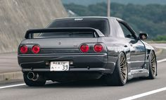The invention of the automobile was a pivotal moment for humanity. Not only did we have a new way to scale large distances comfortably, but it eventually gave rise to more complex vehicles like trucks. Nissan Skyline Gtr R32, R32 Skyline, R32 Gtr, Porsche 968, Nissan 300zx, Tuner Cars, Jdm Cars, Mazda, Corvette C4