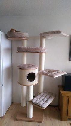 # Scratching Post Design www.perfectchange… Krabpaal Sisal, Krabpaal Hangmat # Scratching post Design www. Cat Tree Designs, Small Pet Supplies, Cat Castle, Cat Heaven, Cat Hotel, Cat House Diy, Diy Cat Tree, Cat City, Cat Stands