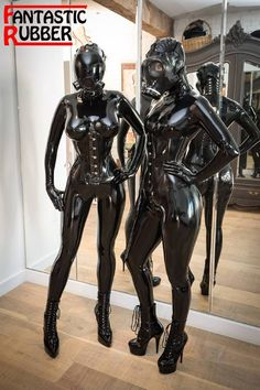 A photo album of Vespa, Opal Snow, Nico & Chell, in black latex. Tagged with: gasmask & ass shot. Latex Wear, Latex Suit, Latex Babe, Sexy Latex, Pvc Fashion, Gas Mask Girl, Transparent Latex, Rubber Doll, Heavy Rubber