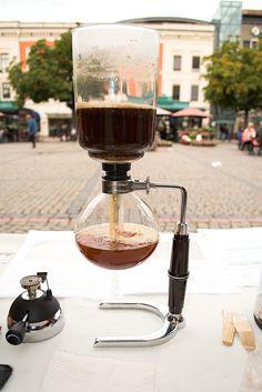 La Crema Kaffe International Coffee Day 2015 and Lansering i Drammen Norge! International Coffee, Fresh Roasted Coffee, Coffee Maker, Day, Coffee Maker Machine, Coffee Percolator, Coffee Making Machine, Coffeemaker, Espresso Maker