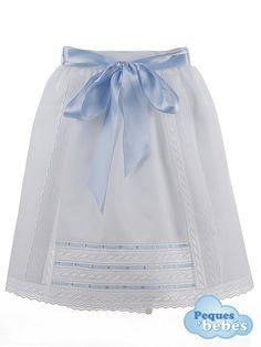Baton de cintura para recién nacidos y bebés confeccionado en pique blanco con tiras bordadas y pasacintas en el delantero,  .Es talla única;se abrocha en la cintura con un velcro en el interior , http://www.pequesybebes.es/faldon-bebe-invierno/9-faldon-para-bebe-cintura-pique.html