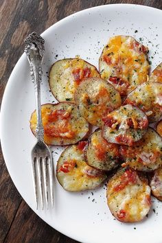 Loaded Baked Potato Rounds | www.diethood.com | #superbowl #gameday #recipe #appetizer #potatoes